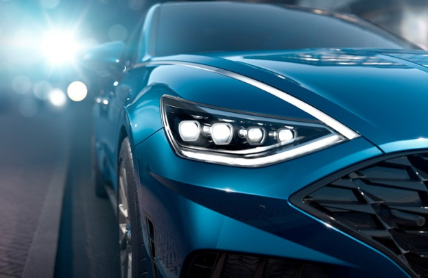 Close-up on the front-right headlight and side of a 2020 Hyundai Sonata
