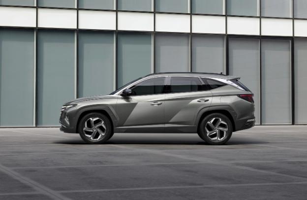 Side profile of a 2022 Hyundai Tucson