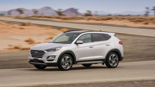 2021 Hyundai Tucson side quarter view